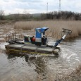 Чистят канала на Атанасовското езеро
