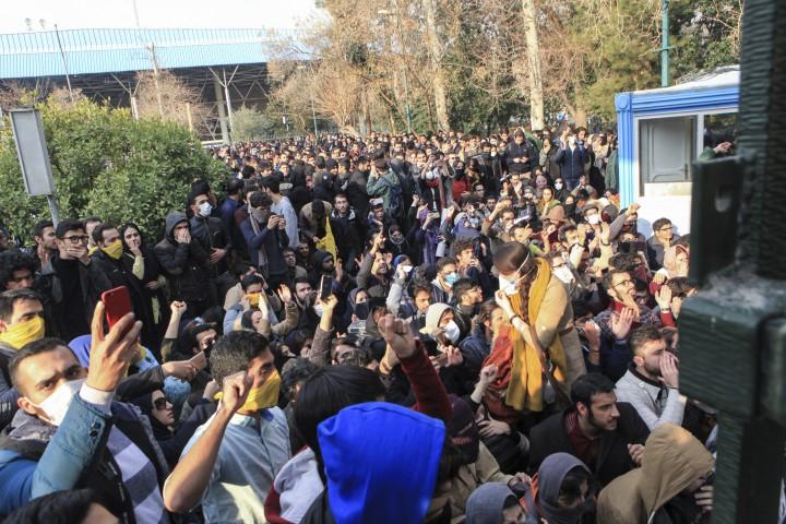 Иранският твърдолинеен духовник Ахмад Хатами изнесе проповед, в която призова