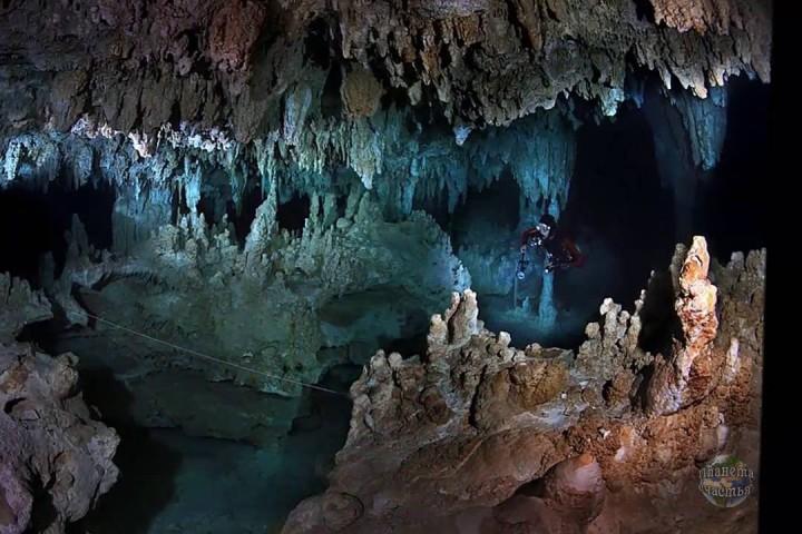 Досега спелеолозите мислеха, че там има две отделни големи пещери.