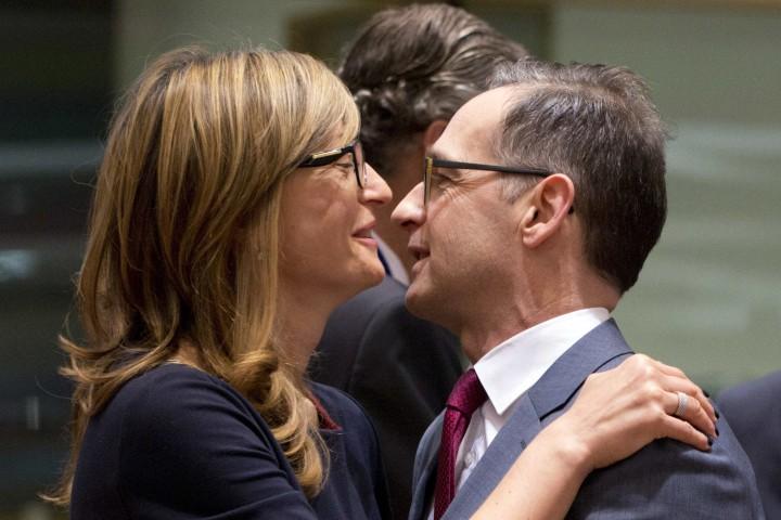 На среща в Брюксел външните министри на ЕС също така