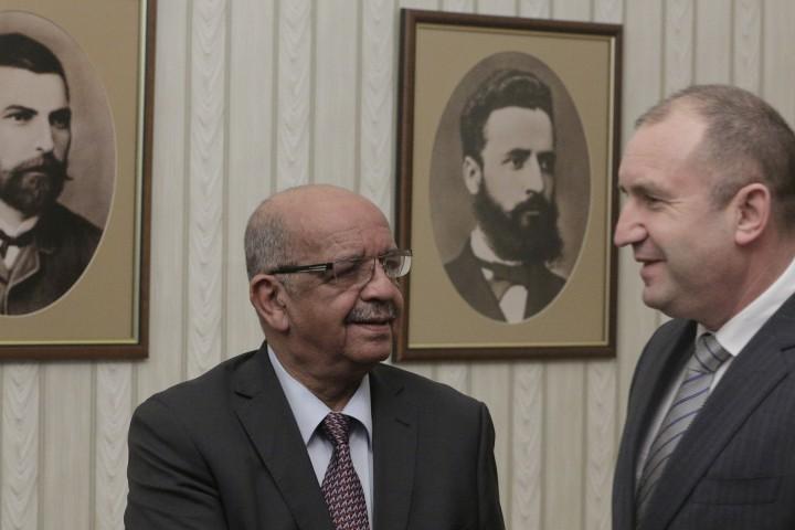 """""""България оценява високо ролята на Алжир за стабилизирането на региона"""